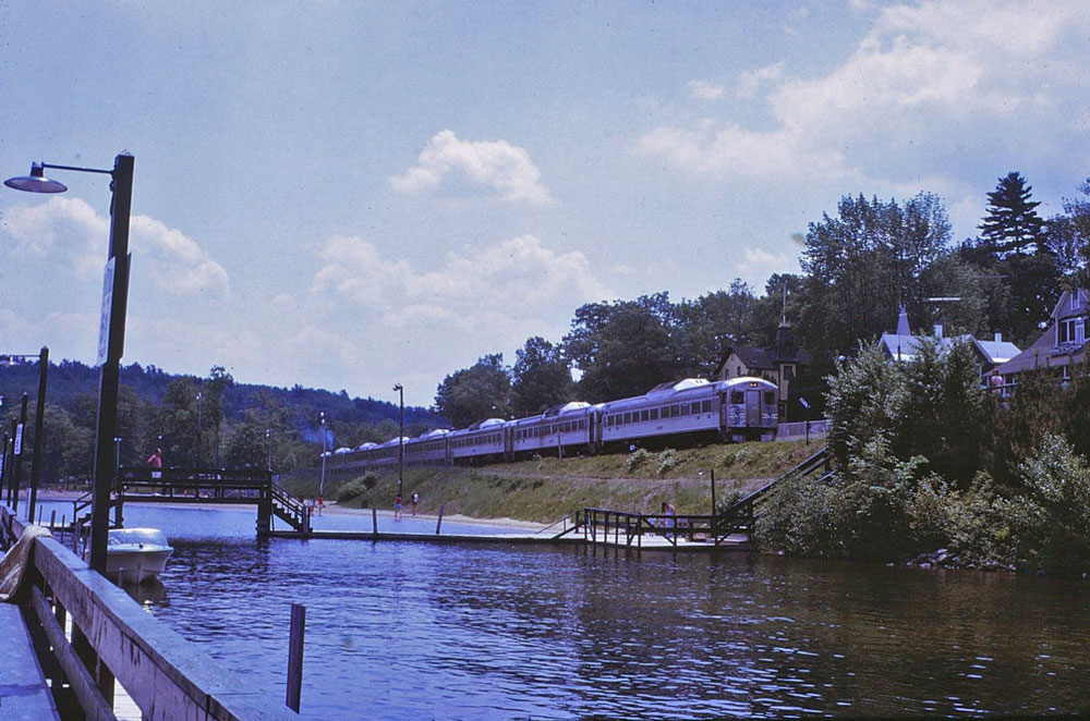 1972beach-train-path